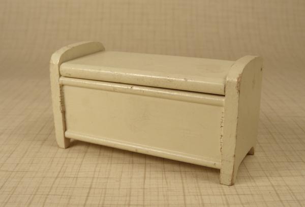 Strombecker White Blanket Chest - Antique Dollhouse Furniture